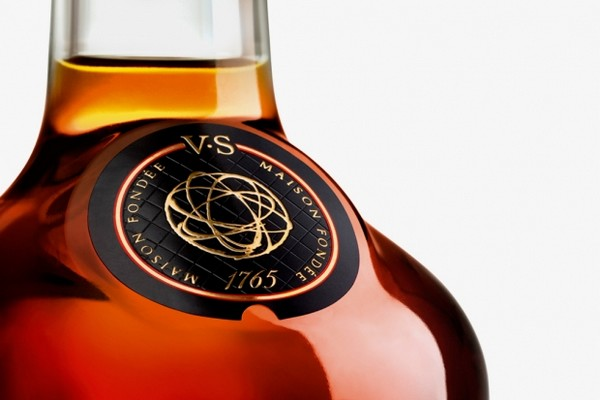 futura-x-hennessy-very-special-cognac-limited-edition-bottle-01
