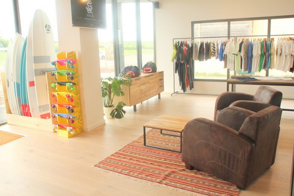 sns-flagship-store-at-biscarrosse-01