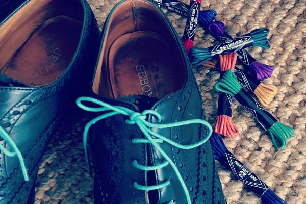 steveandco-color-shoe-laces-01