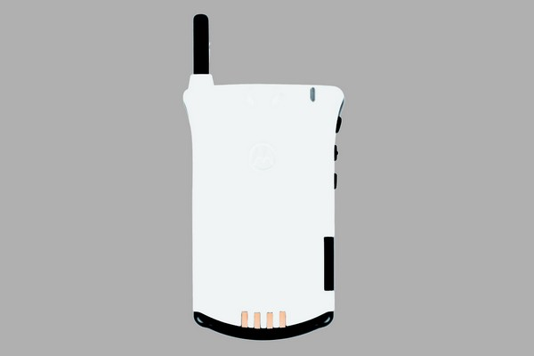lekki-x-motorola-startac-white-limited-edition-02