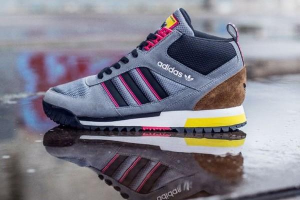 En ce début d'année, adidas Originals vient de sortir une nouvelle édition de la ZX TR Mid. Cette sneakers s'inspire des années 90 et est conçue avec un ...