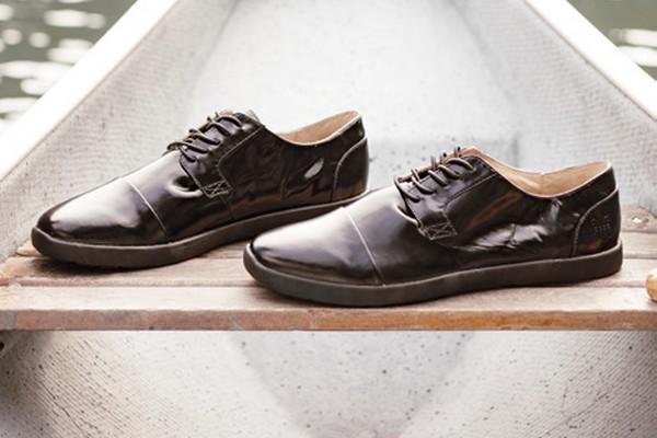 Royal Elastics High Top Shoes