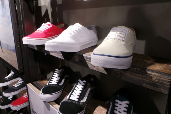 vans magasin a paris