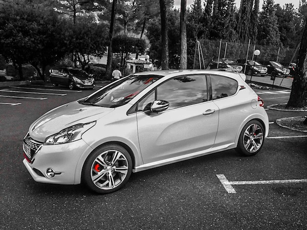peugeot 208 xy and 208 gti test drive. Black Bedroom Furniture Sets. Home Design Ideas