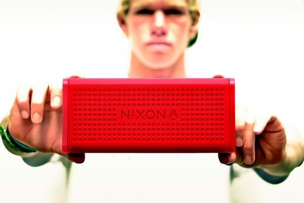 nixon-the-blaster-bluetooth-speaker-01