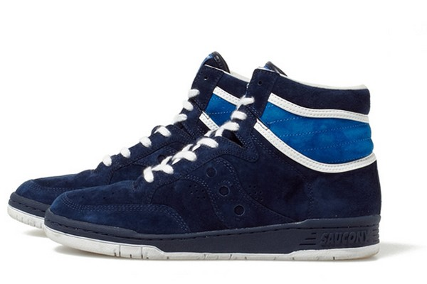 saucony-x-white-mountaineering-suede-hi-top-sneaker-01