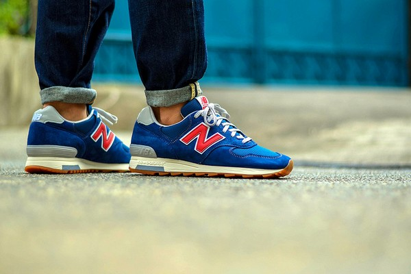 j-crew-x-new-balance-1400-dark-royal-01