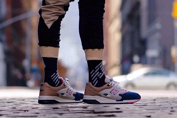 ronnie-fieg-x-new-balance-cm1600-preview-01