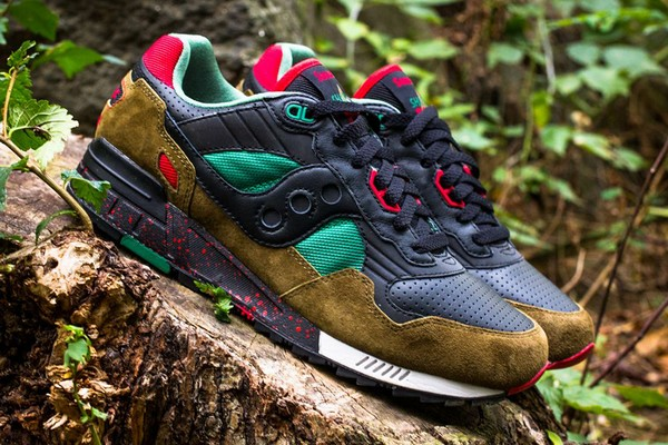 west-nyc-x-saucony-shadow-5000-cabin-fever-01