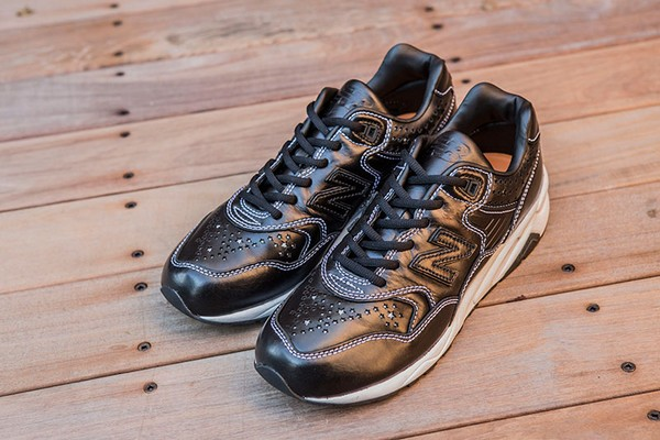 whiz-limited-x-mita-sneakers-x-new-balance-mrt580-01