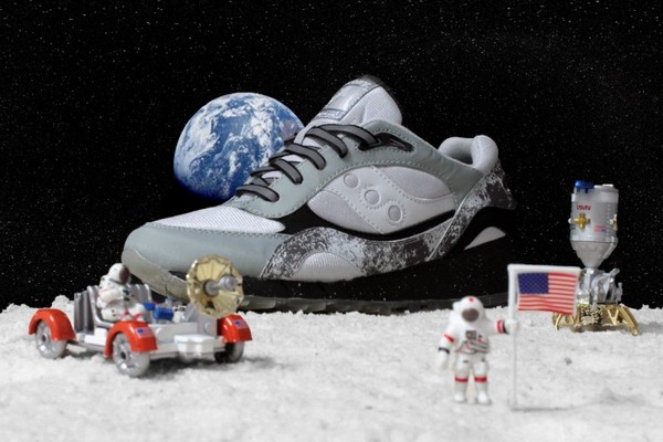 extra-butter-x-saucony-shadow-6000-moon-walker-01