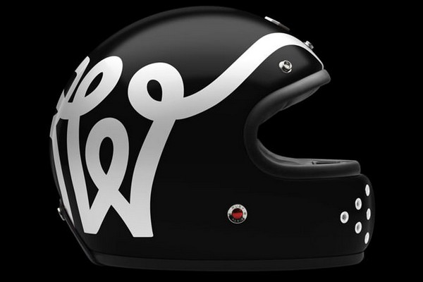 wheels-and-waves-limited-edition-motorcycle-helmet-by-ateliers-ruby-01
