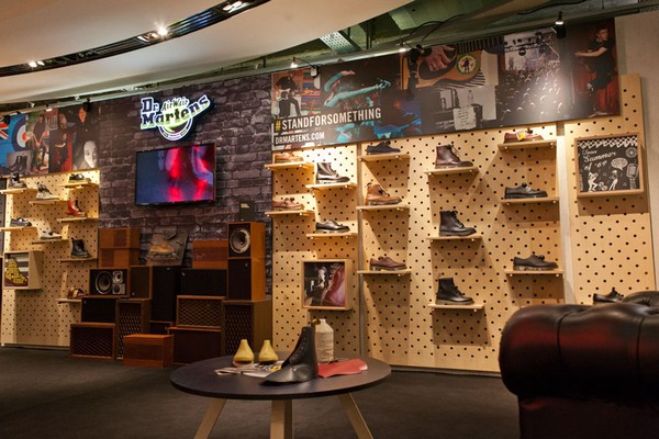 dr martens pop up store x citadium. Black Bedroom Furniture Sets. Home Design Ideas