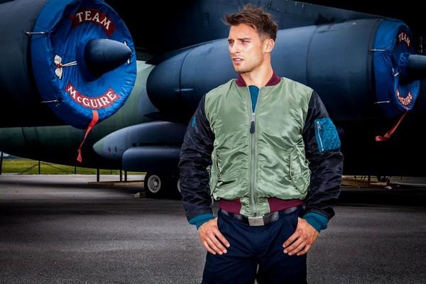 palladium-x-alpha-industries-ma-1-city-explorer-flight-jacket-pampa-ma-1-boots-01