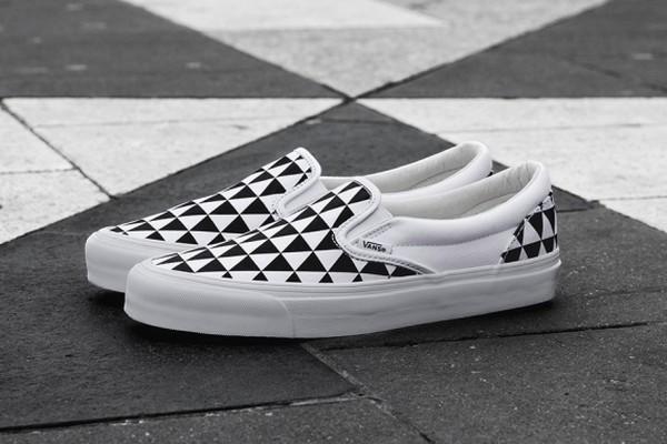 sneakersnstuff-vans-og-classic-slip-on-lx-stockholm-01