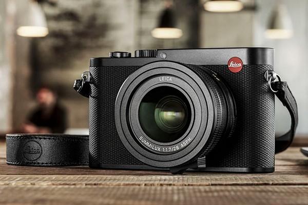 leica-q-compact-camera-01
