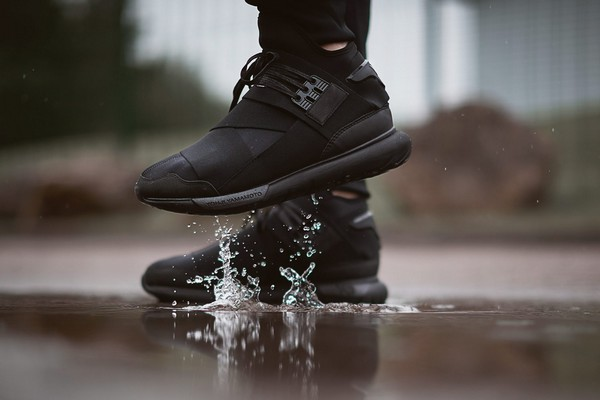 y-3-qasa-high-triple-black-01