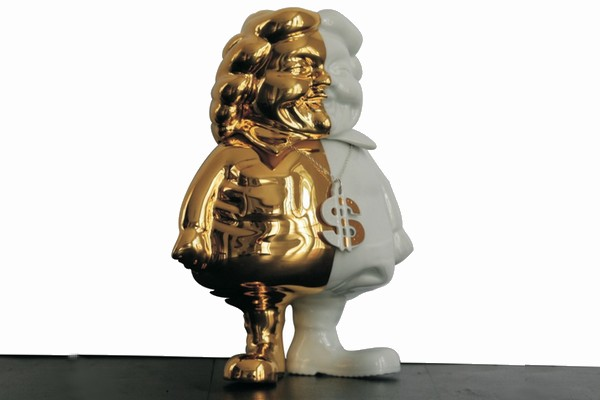 ron-english-x-k-olin-tribu-mc-supersized-porcelain-gold-2