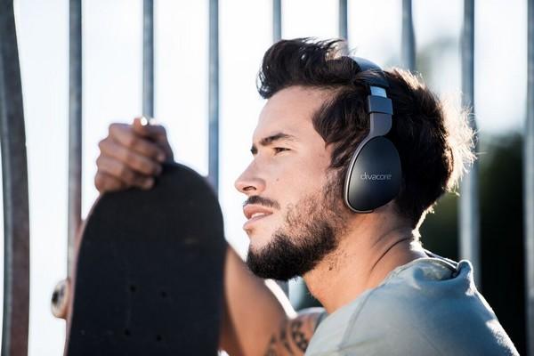 divacore-addict-hd-wireless-headphones-01