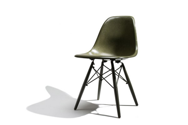 modernica-x-undefeated-a-fresh-fiberglass-chair-collab-01