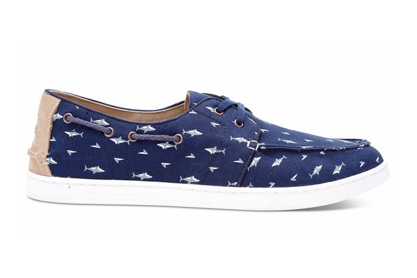toms-unveils-its-ss-2016-shark-attack-collection_01