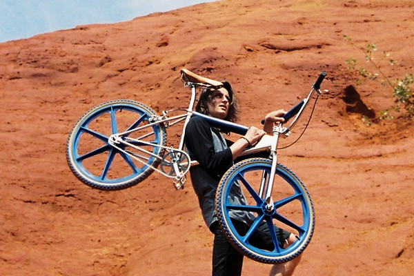 bogarde-launches-two-new-colors-of-its-bmx-01