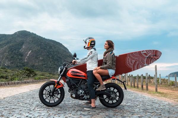 ducati-scrambler-sixty2-motorcycle-01