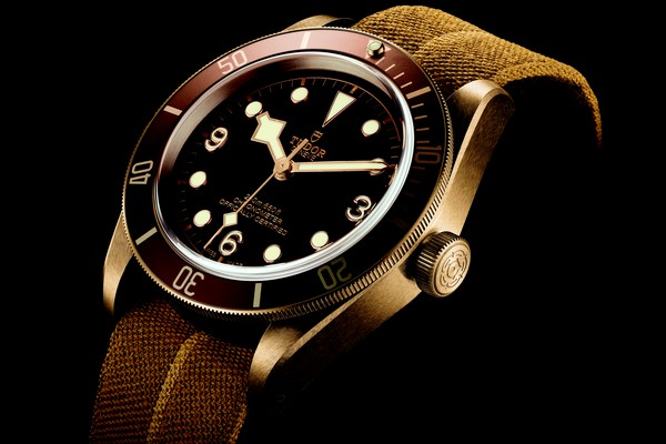 tudor-heritage-black-bay-bronze-01