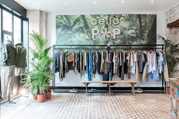 celio-open-2-connected-pop-up-stores-in-paris-01