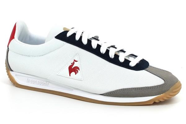 Véritable retour aux sources pour le coq sportif, qui relance deux de ses modèles emblématiques – la Quartz et la Wendon. Ces deux chaussures sont remises