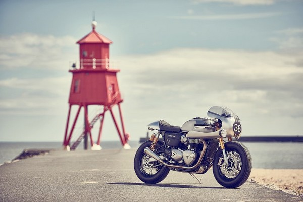 barbour-international-triumph-thruxton-r-01