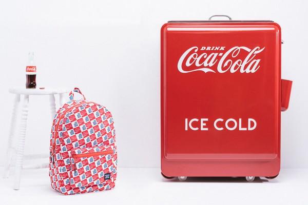 herschel-supply-x-coca-cola-ice-cold-pack-01