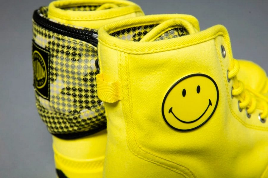 palladium-x-smiley-boots-festival-survival-kit-05