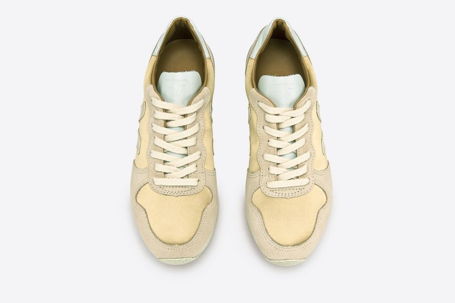 VEJA-HOLIDAY-CANVAS-SILK-GOLD-SABLE-02