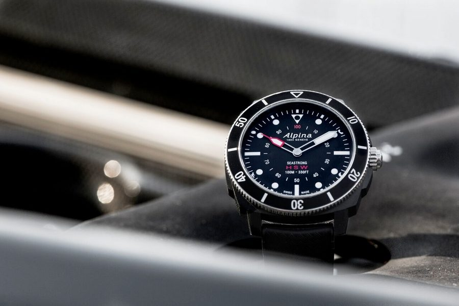 alpina-seastrong-horological-smartwatch-02
