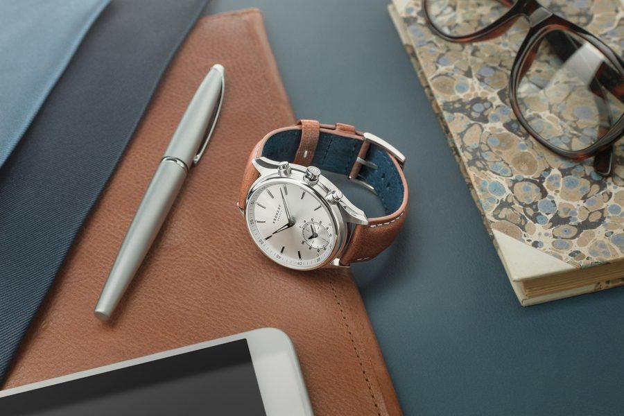 kronaby-smartwatch-01