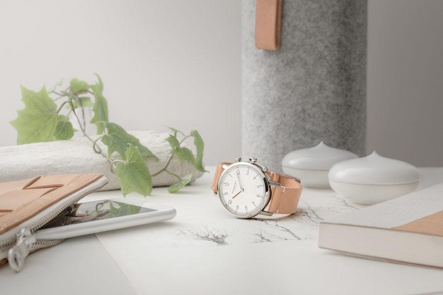 kronaby-smartwatch-02