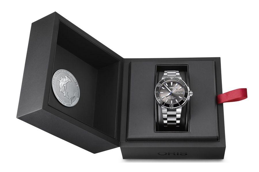 oris-hammerhead-watch-limited-edition-04