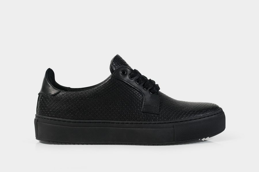 subtle-delta-sneaker-02