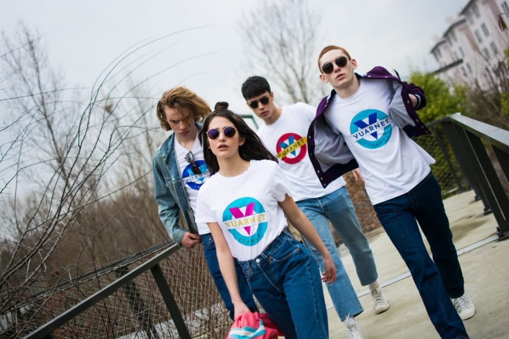Vuarnet réédite en série limitée le t-shirt iconique de la marque