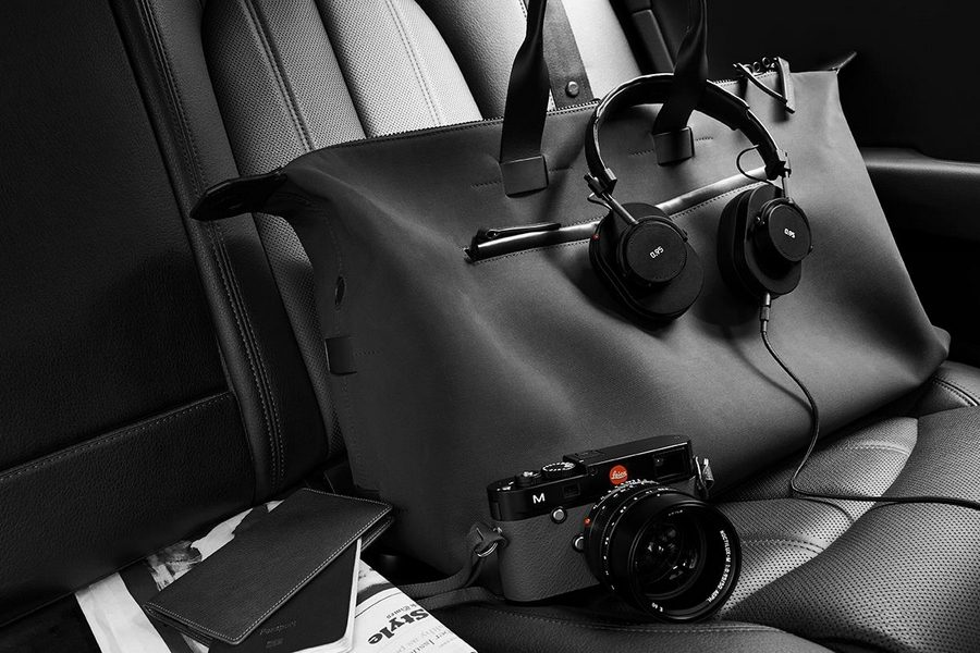 leica-master-and-dynamic-0-95-headphones-collection-02