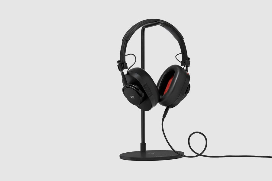 leica-master-and-dynamic-0-95-headphones-collection-08