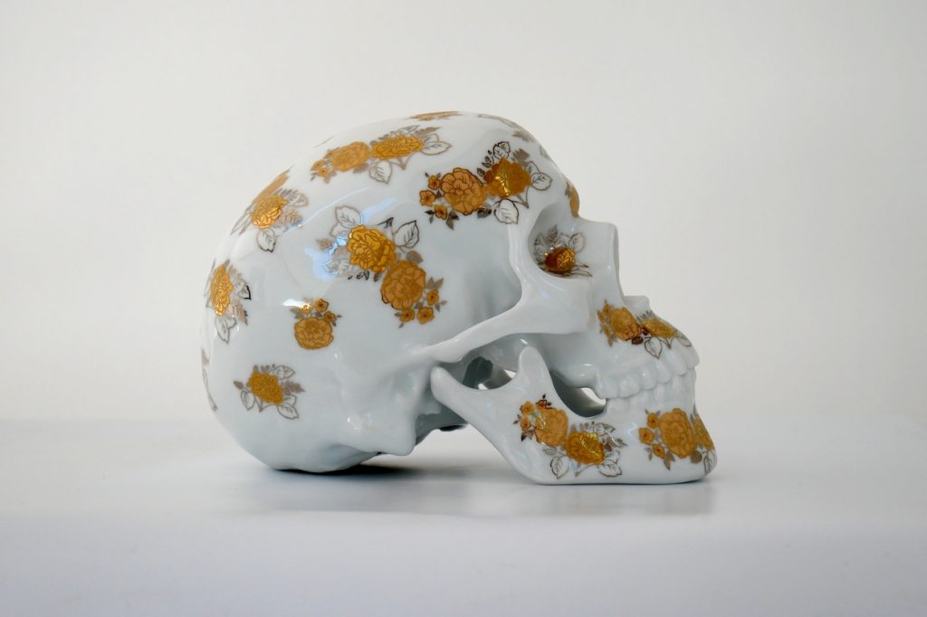 "Sculpture ""Skull Gold Flowers"" NooN x K.Olin Tribu"
