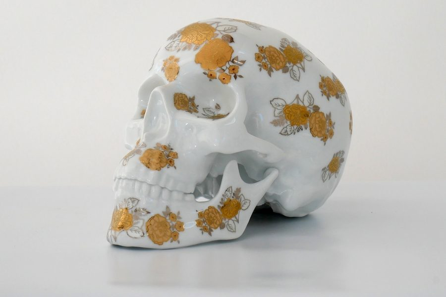 noon-kolin-tribu-skull-gold-flowers-01