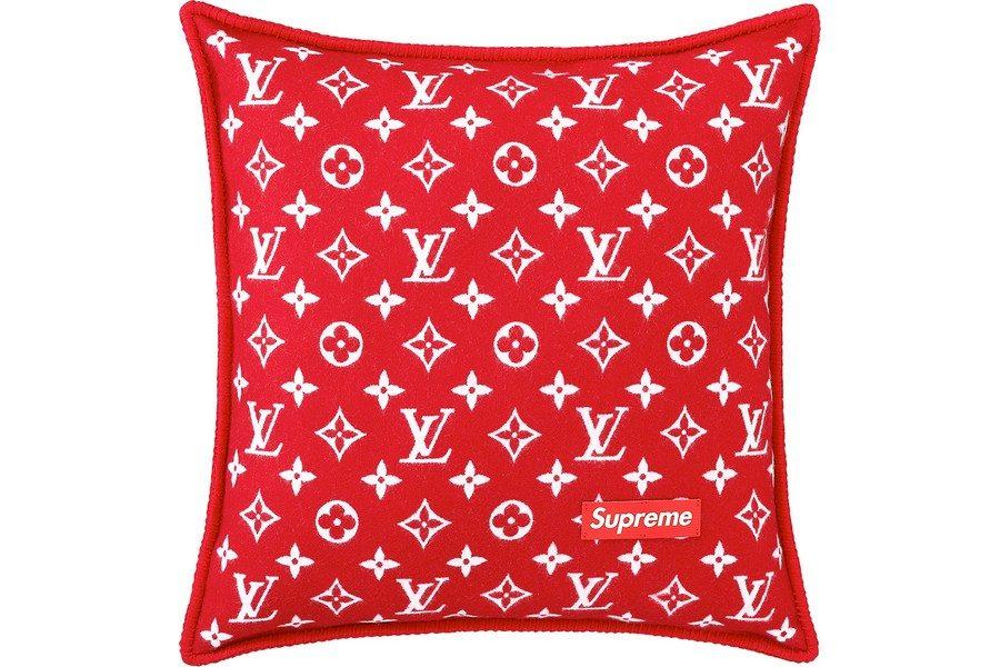 louis-vuitton-x-supreme-collection-48