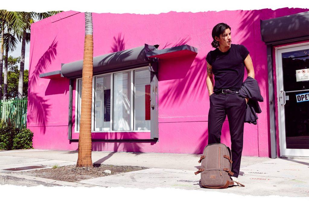 Eastpak présente sa nouvelle collection Automne/Hiver 2017 dans les rues colorées de Miami