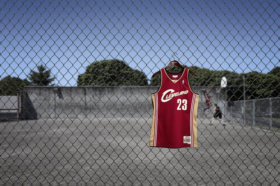 mitchell-ness-collection-swingman-01