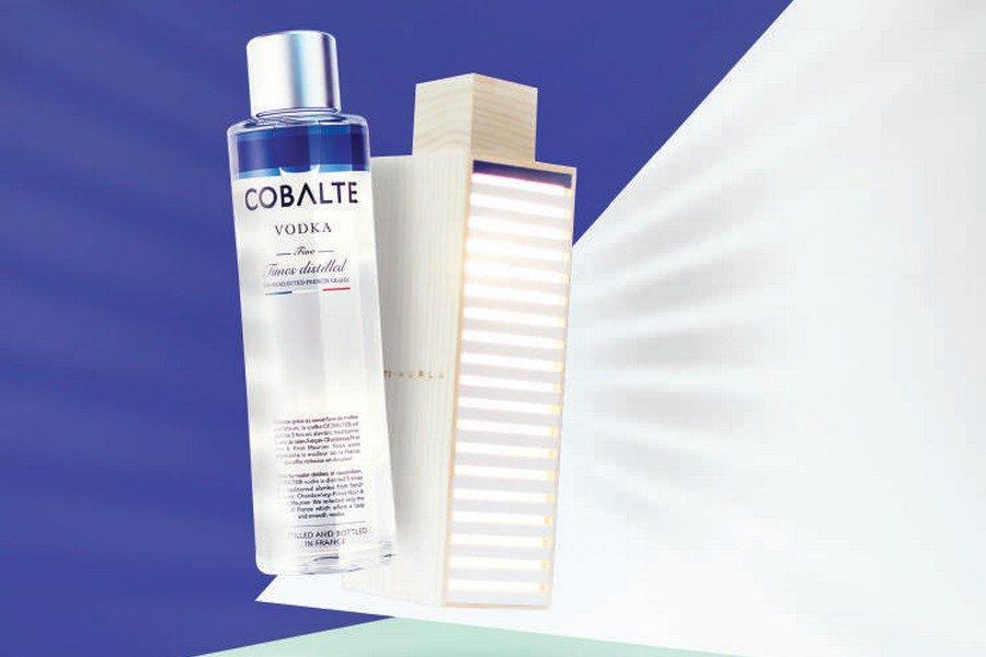 cobalte-vodka-coffret-luminaire-01