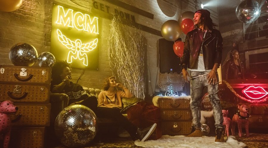 mcm-holiday-2017-campaign-07