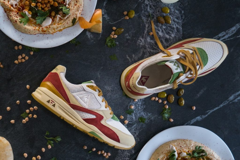 Sneakerbox x le coq sportif R800 Hummus